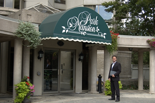 Car Wash Mississauga >> 45 Kingsbridge Garden Circle | John Weber Mississauga Real Estate | RE/MAX Realty Specialists